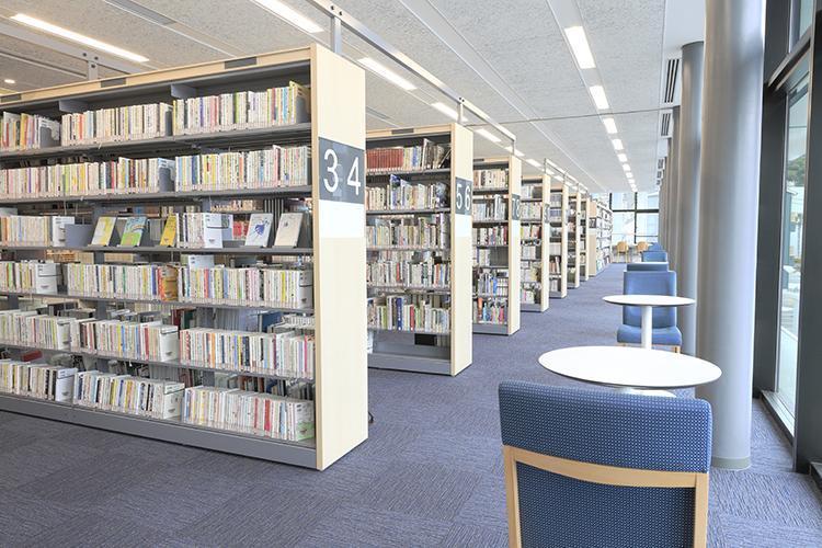 新図書館探検ツアーの写真